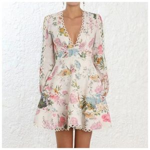 Dresses & Skirts - The Bridey Lace Gorgeous Floral Dress